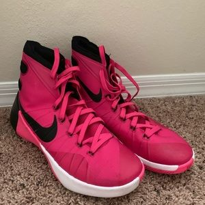 Nike breast cancer awareness basketball shoes